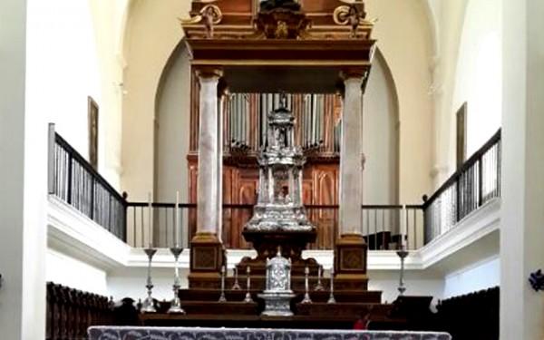 http://veracruzdemontilla.com/wp-content/uploads/2014/05/altar-600x375.jpg